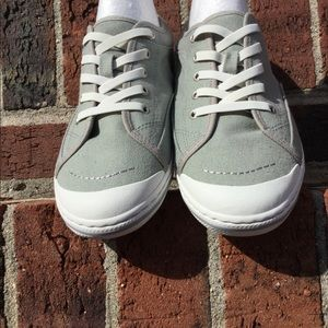 Simple Shoes - NEW.....Simple Sneakers